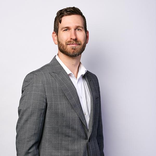 Doug McLean - Technischer Direktor